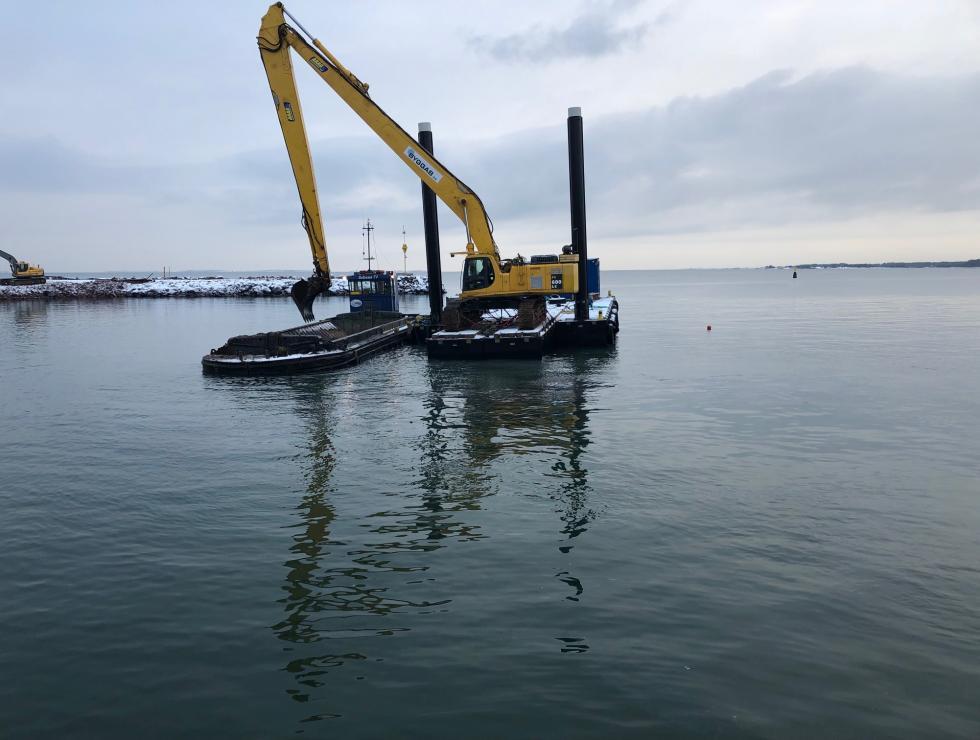 Ponton Digger med 72 tons maskin